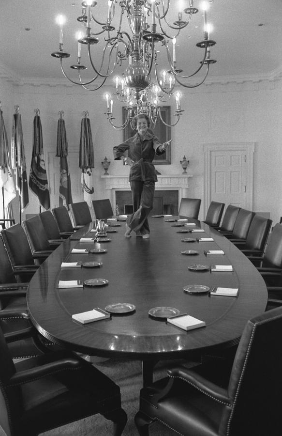 History Photograph - First Lady Betty Ford Dances by Everett