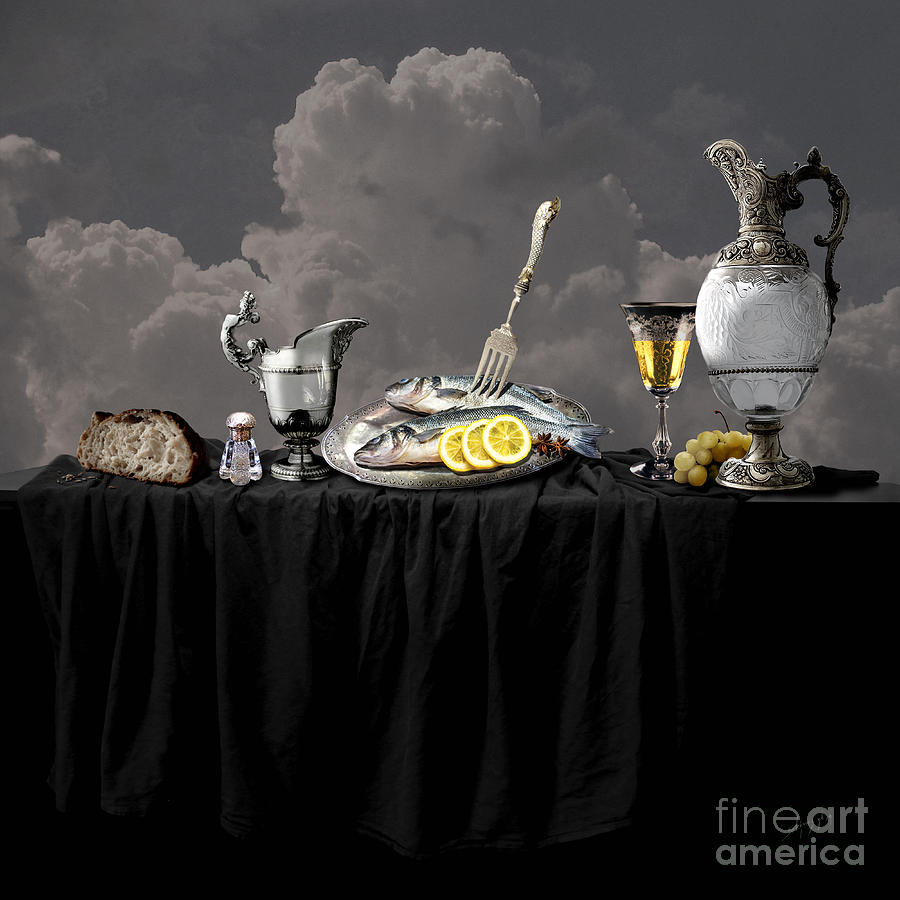 Fish diner in silver by Alexa Szlavics