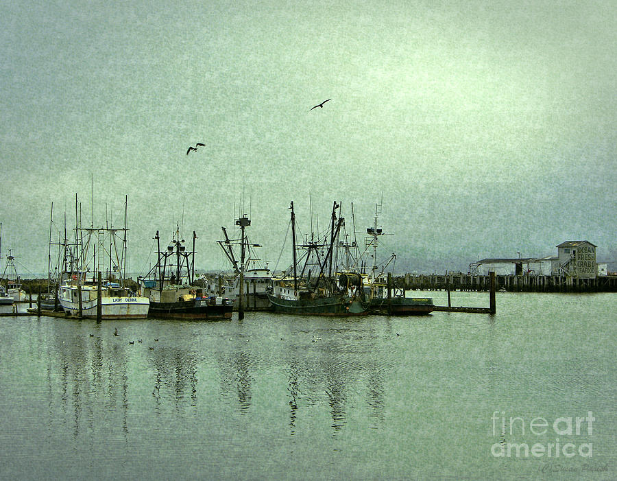 Contemporary Photograph - Fishing Boats Columbia River by Susan Parish