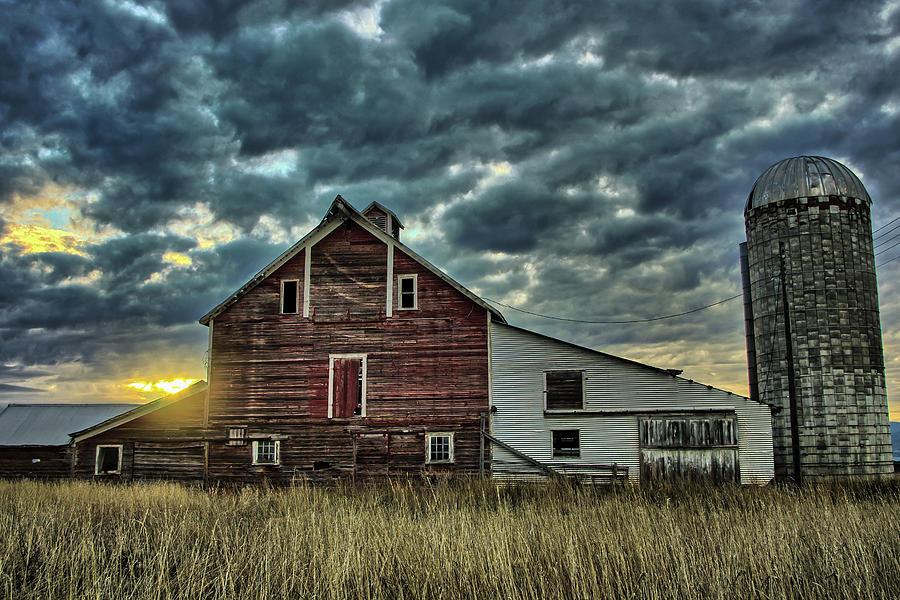 Flathead Barn by Jedediah Hohf