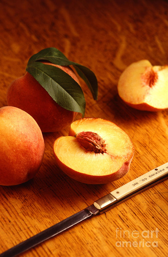 Peach Photograph - Flavorcrest Peaches by Photo Researchers