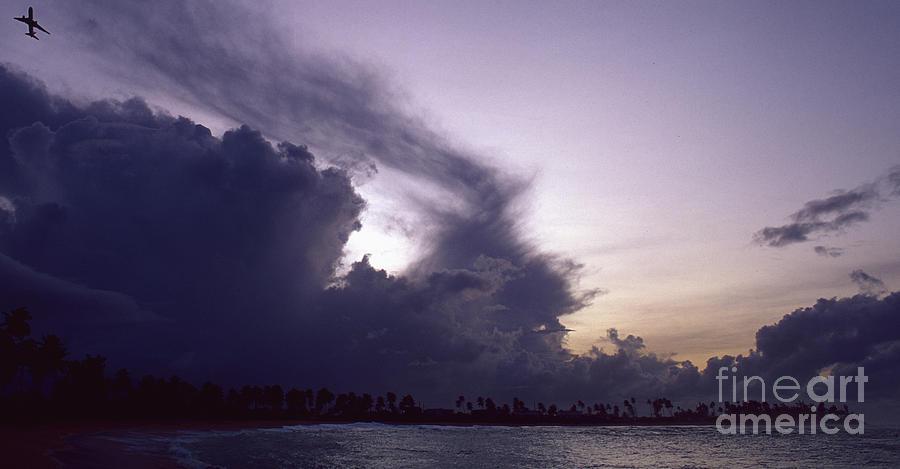 Flying Into Puerto Rico Photograph by Antonio Martinho