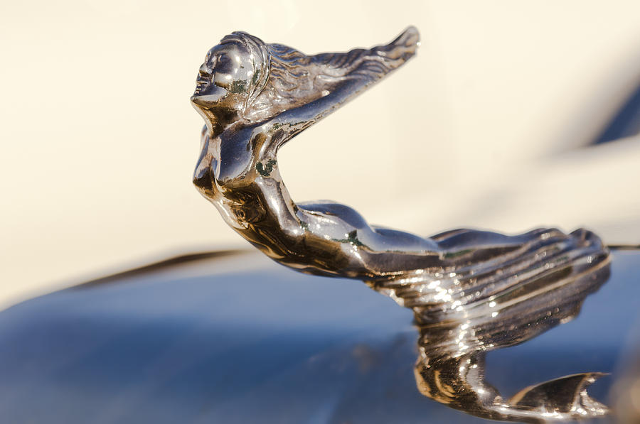 Flying Lady Photograph - Flying Lady Hood Ornament by Jill Reger