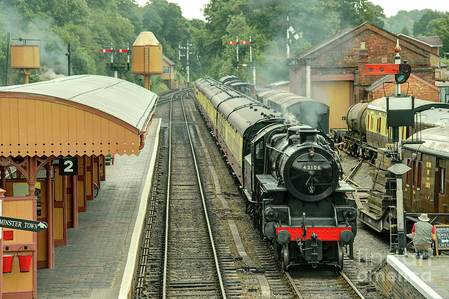 Bewdley Photograph - Flying Pig At Bewdley  by Rob Hawkins