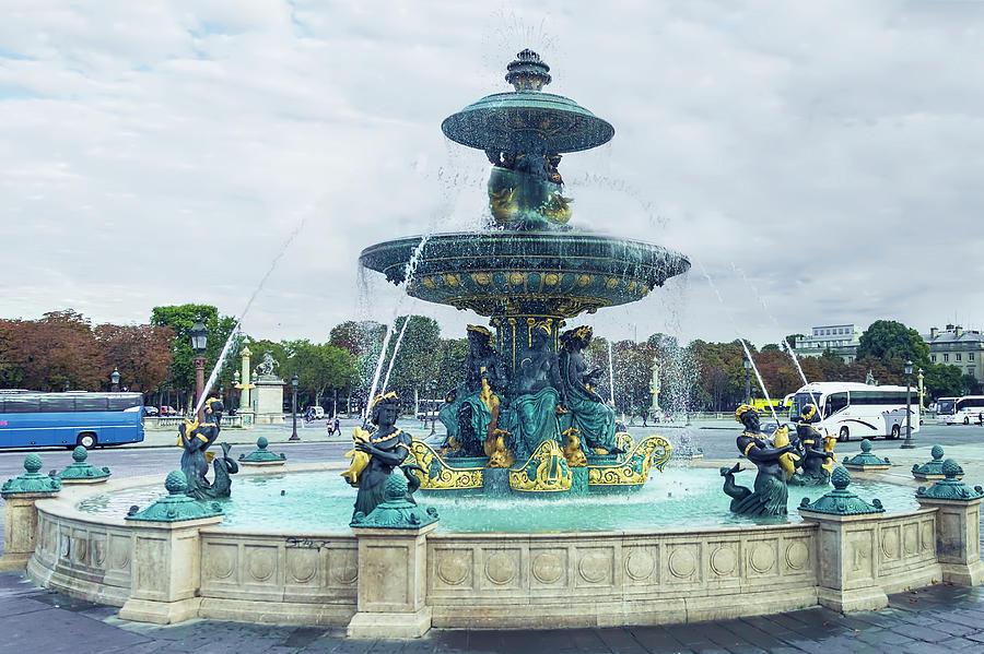 Fontaines de la Concorde, Paris by Kay Brewer