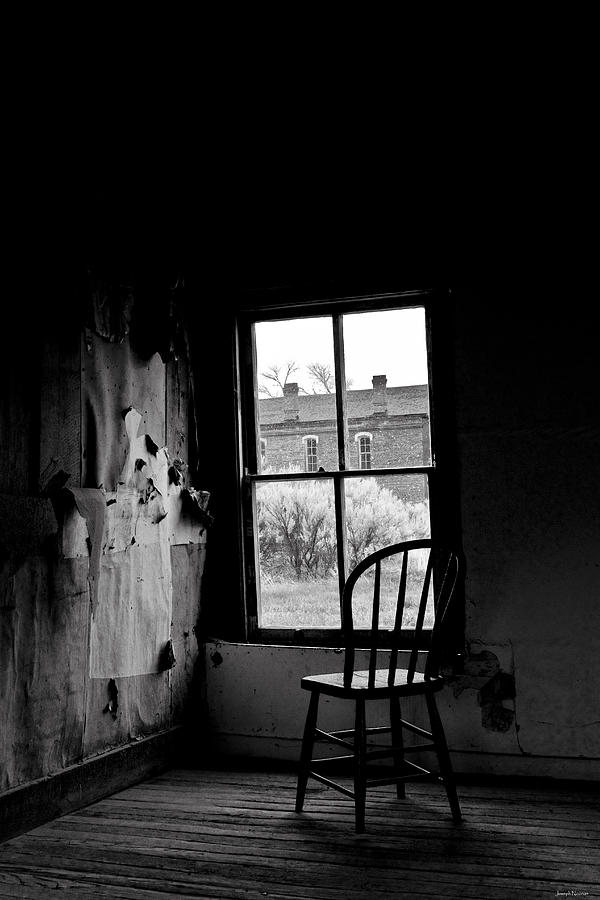 Black And White Photograph - Forgotten by Joseph Noonan