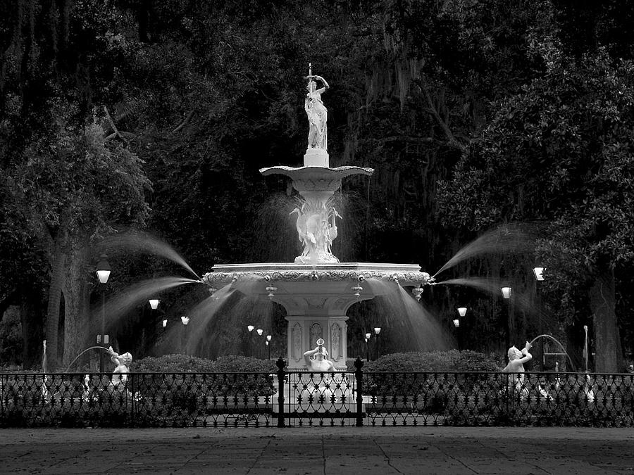 Fountains Photograph - Forsyth Fountain by Winthrope Hiers