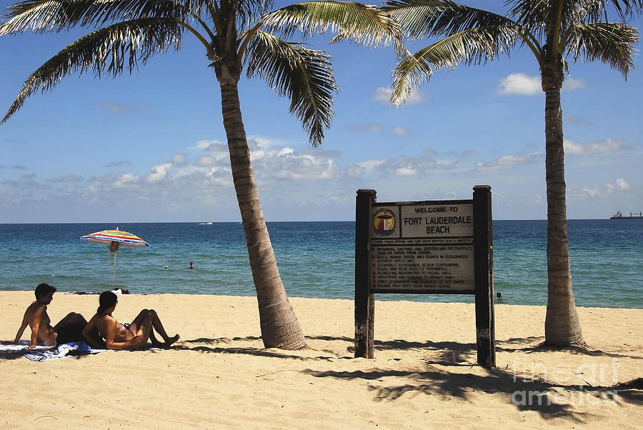 Beach Photograph - Fort Lauderdale Beach by David Lee Thompson