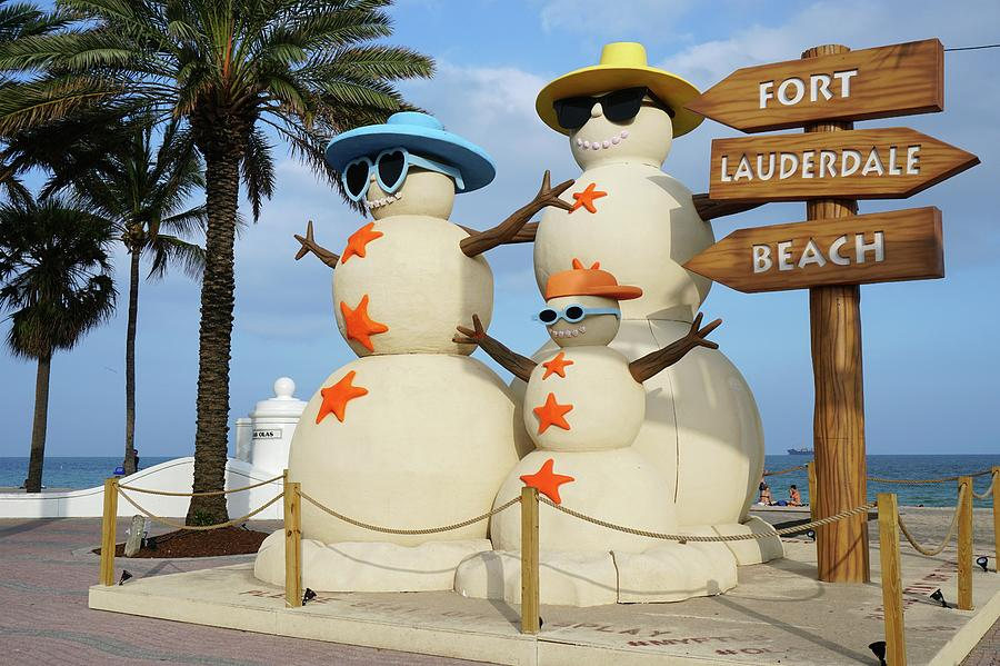fort lauderdale snowman photograph by jason pepe. Black Bedroom Furniture Sets. Home Design Ideas
