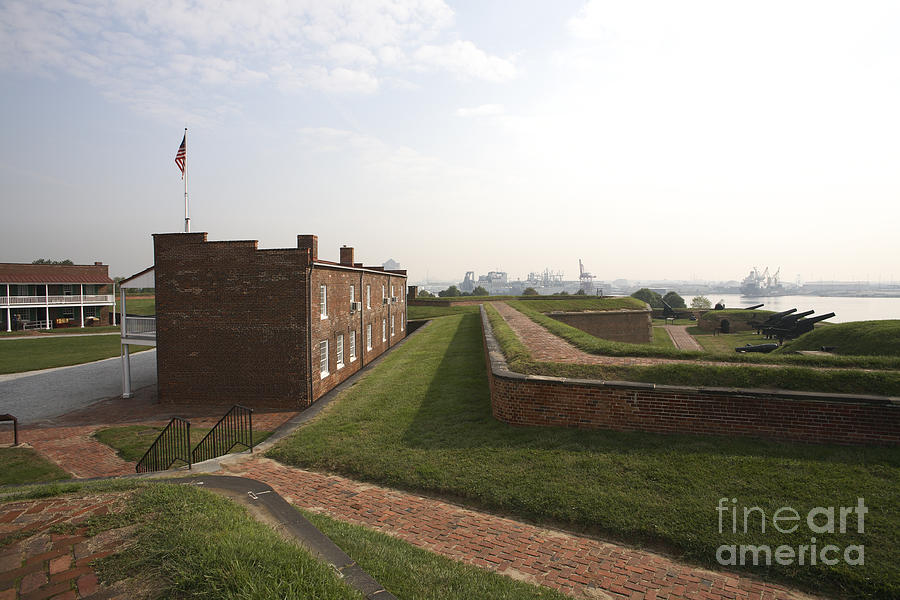 Earthworks Photograph - Fort Mchenry Earthworks And Barracks In Baltimore Maryland by William Kuta
