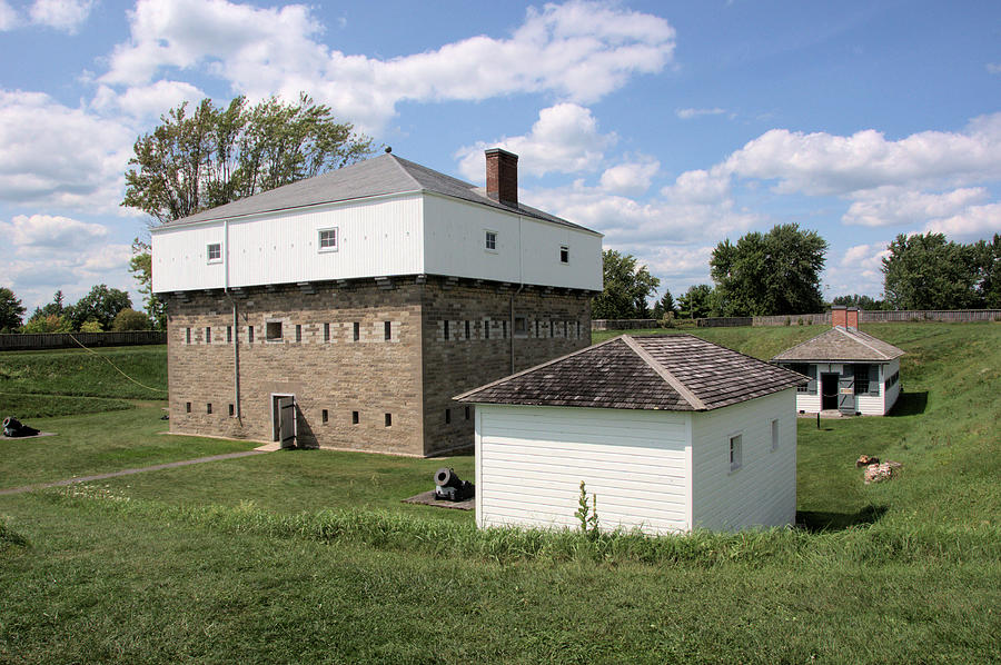 Fort Wellington Blockhouse by Valerie Kirkwood