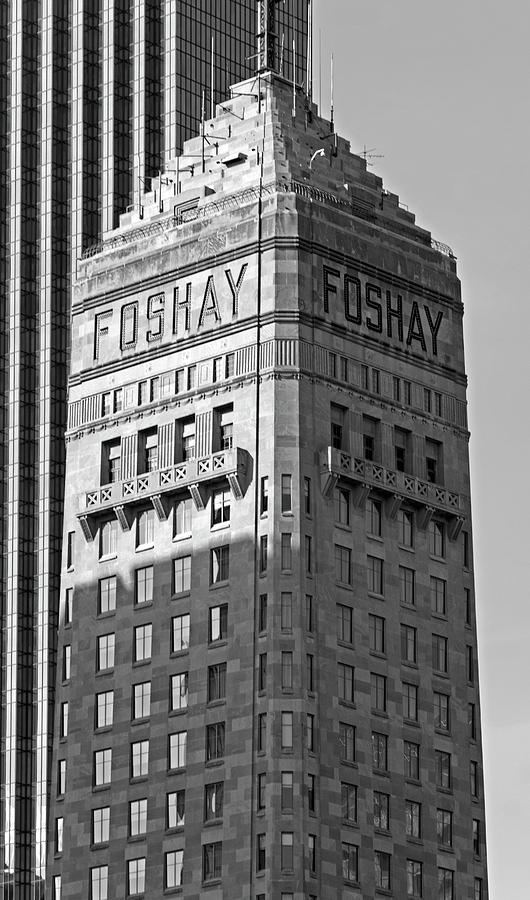 Foshay Tower Photograph - Foshay Tower In Black And White by Lonnie Paulson