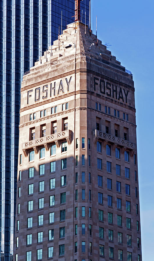 Foshay Tower Photograph - Foshay Tower by Lonnie Paulson