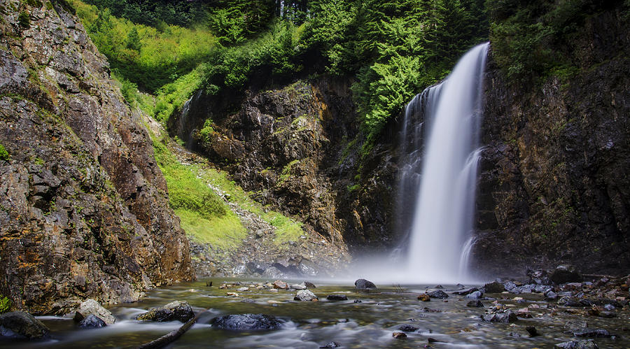 Flowing Photograph - Franklin Falls by Pelo Blanco Photo