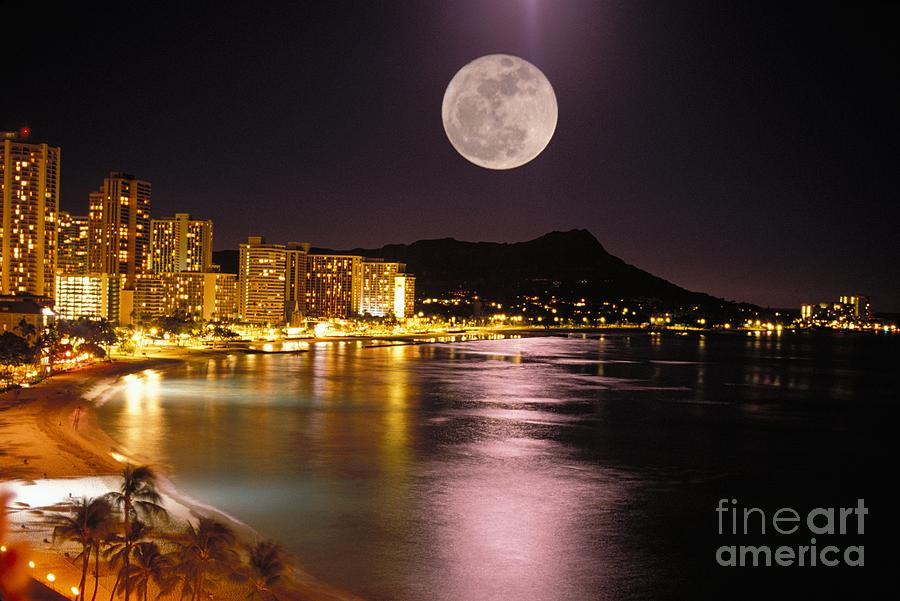 Full Moon Over Diamond Head Photograph By Tomas Del Amo