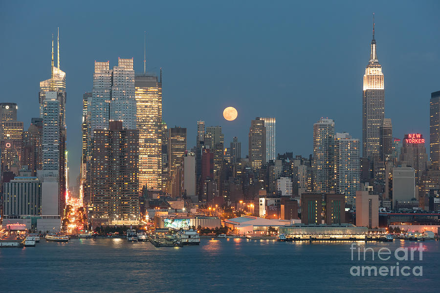 America Photograph - Full Moon Rising Over New York City I by Clarence Holmes