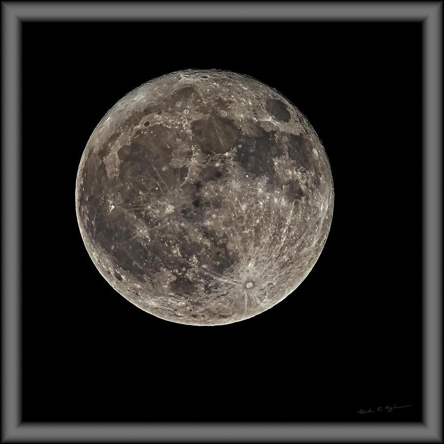Full Moon S23cfr Photograph