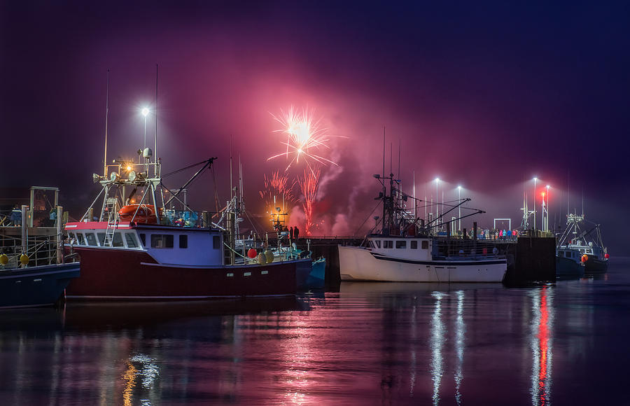 Fundy Fireworks by Tracy Munson