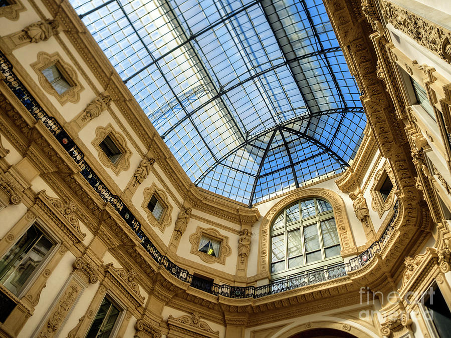Galleria Vittorio Emanuele II Shopping Art Mall In Milan ...