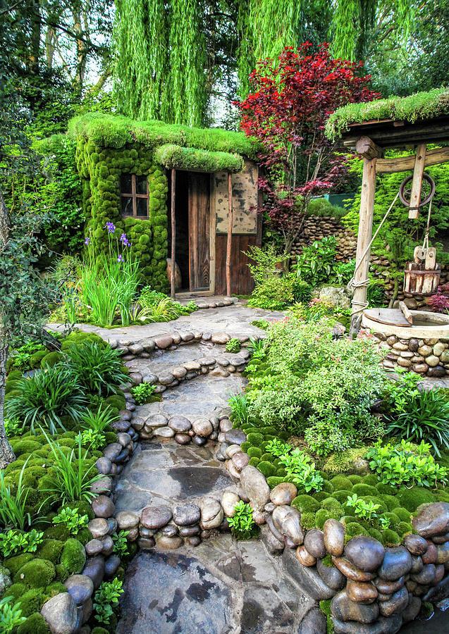 Garden Photograph   Garden Well By Ross Henton