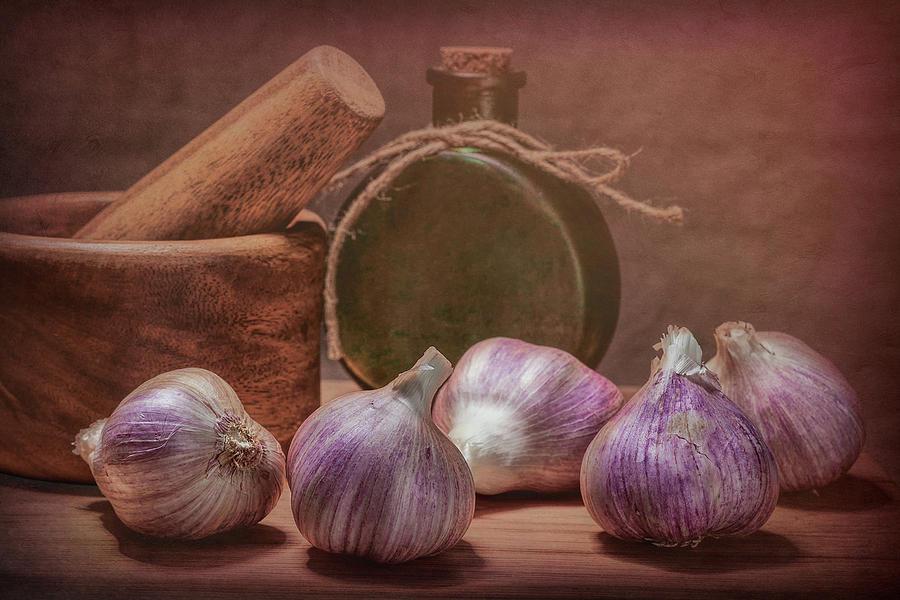 Garlic Photograph - Garlic Bulbs by Tom Mc Nemar
