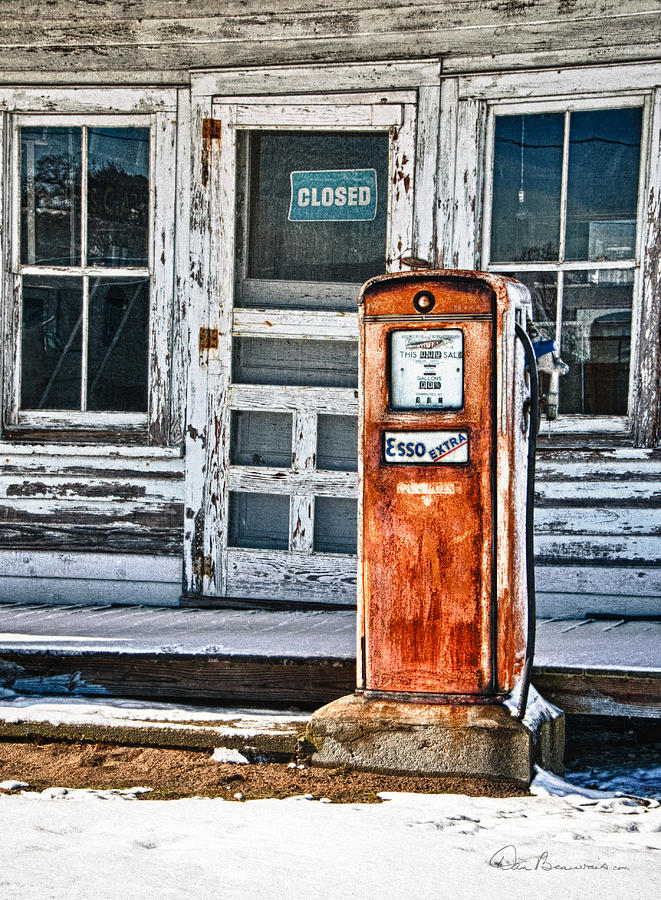Gas Pump 7153 Photograph