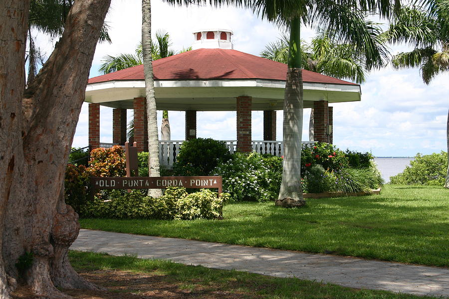 Gazebo Photograph - Gazebo Punta Gorda Fl by Francesco Roncone