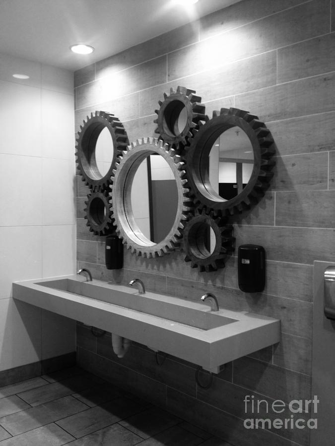 Gear mirror  by WaLdEmAr BoRrErO