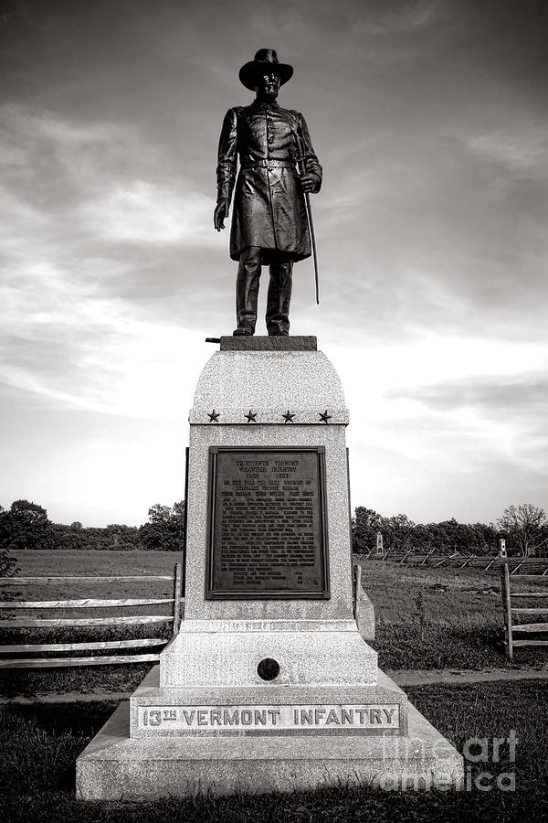 Gettysburg Photograph - Gettysburg National Park 13th Vermont Infantry Monument by Olivier Le Queinec