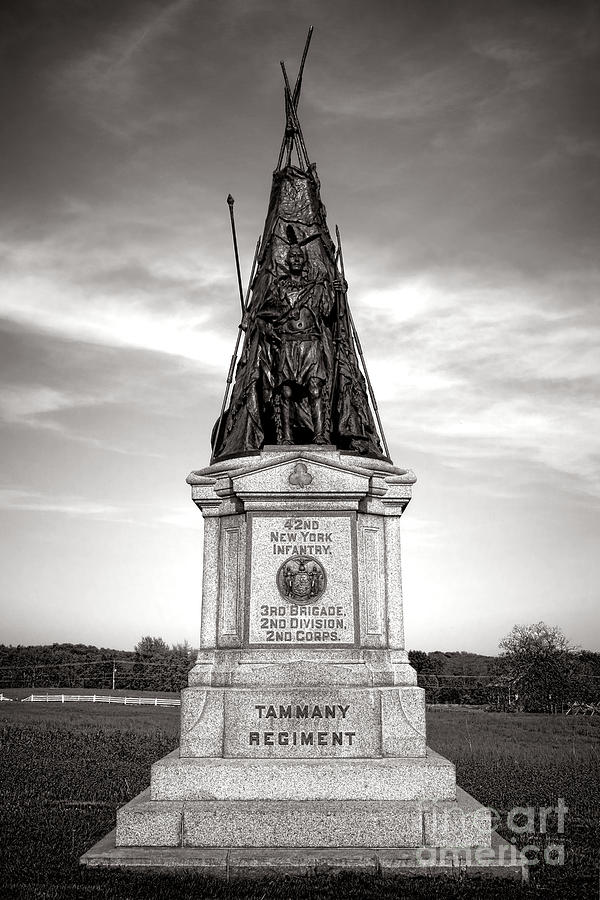Gettysburg Photograph - Gettysburg National Park 42nd New York Infantry Monument by Olivier Le Queinec