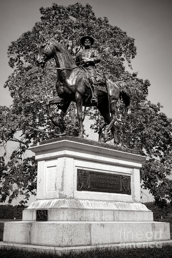 Gettysburg Photograph - Gettysburg National Park John Fulton Reynolds Monument by Olivier Le Queinec