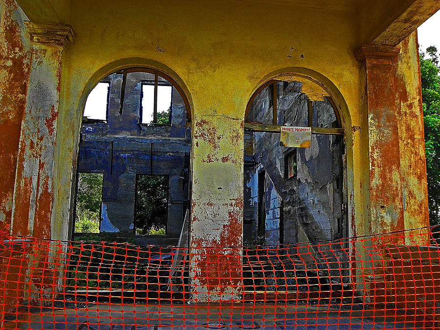 Abandoned Buildings Photograph - Ghosts Of Oahu by Elizabeth Hoskinson