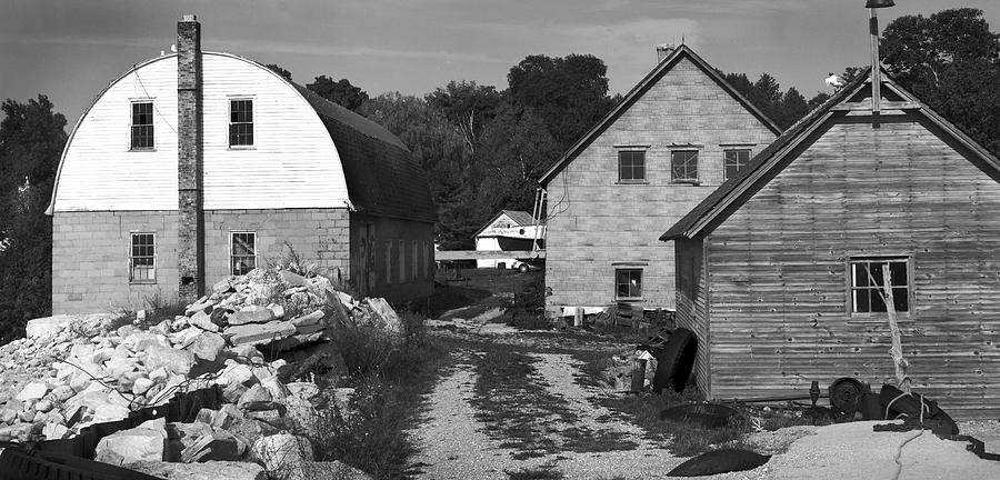 Black And White Photograph - Gils Rock Harbor by Stephen Mack