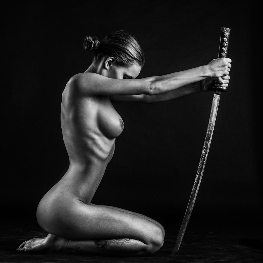 The nude swordmaiden