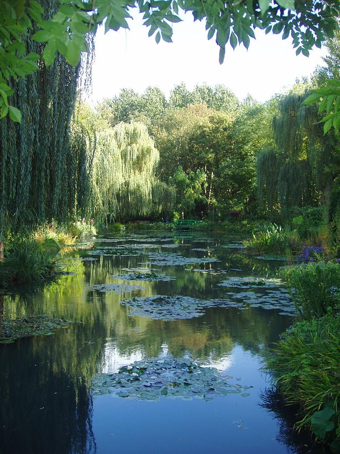 France Photograph - Giverny Vii by Wendy Uvino
