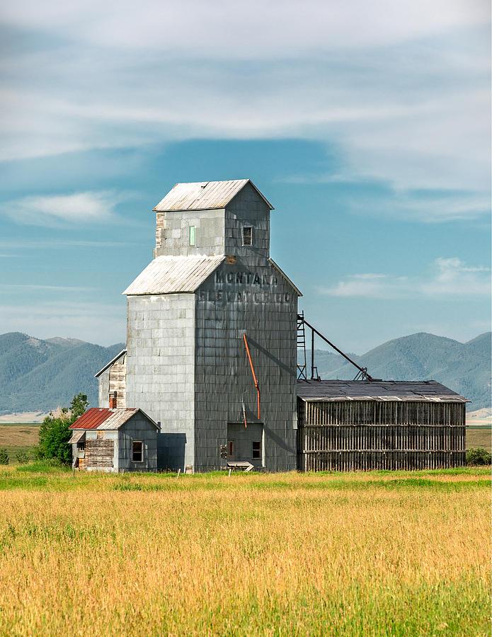 Glengarry Grain Elevator Photograph by Todd Klassy