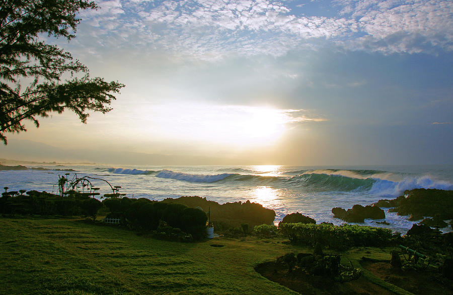 Hawaii Photograph - Gods Giant Spotlight by Kevin Smith