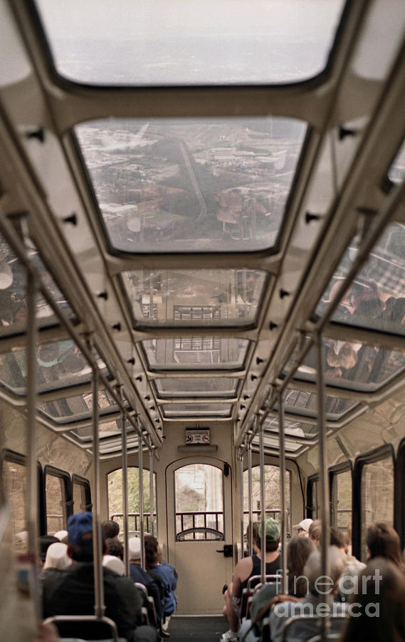 Cable Car Photograph - Going Down by Richard Rizzo