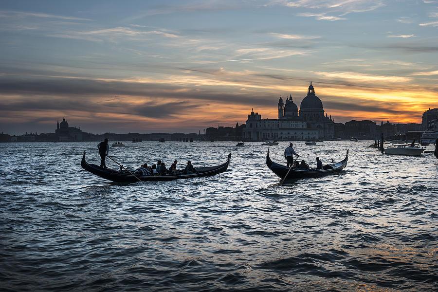 Gondole al tramonto Sam210x by Marco Missiaja