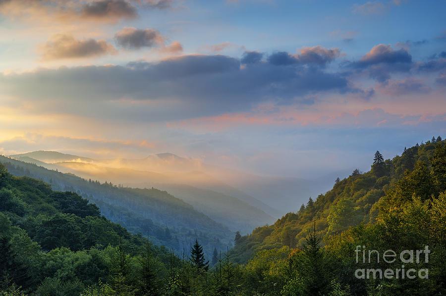 Great Smoky Mountains Photograph - Good Morning From The Smokies. by Itai Minovitz