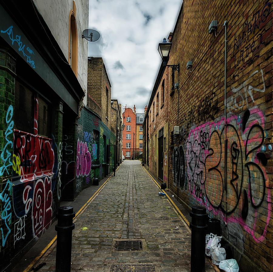 Straight Lines Photograph Graffiti Alleyway By Matt De Moraes