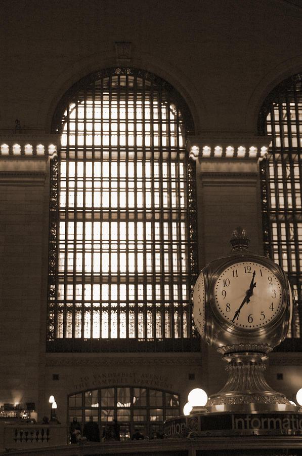 Train Photograph - Grand Central Station by Henri Irizarri