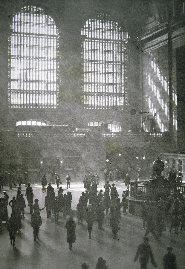 Grand Central Photograph - Grand Central Station, New York City, 1925 by American School