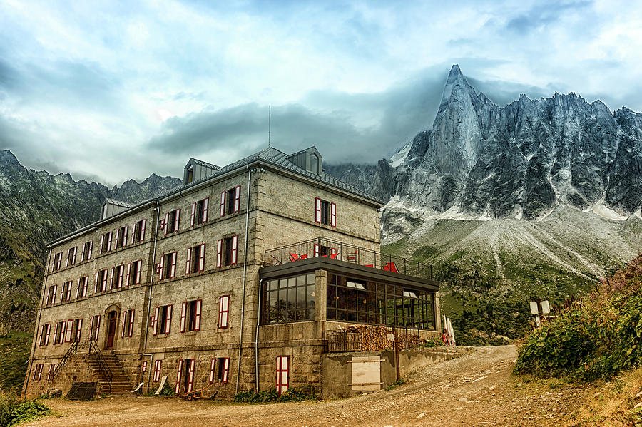 Grand Hotel du Montenvers by Chris Boulton
