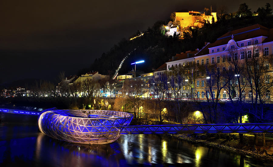Graz Island by Ivan Slosar