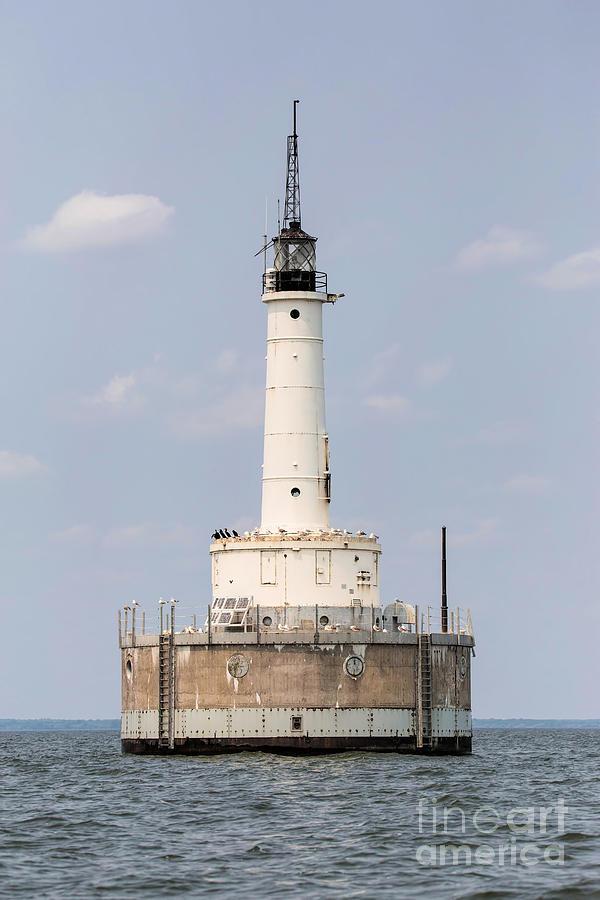 Lighthouse Photograph - Green Bay Harbor Entrance Lighthouse by Nikki Vig