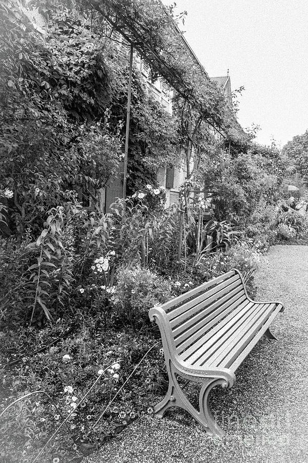Amazing Green Bench At Monets Home Giverny Blk Wht Evergreenethics Interior Chair Design Evergreenethicsorg
