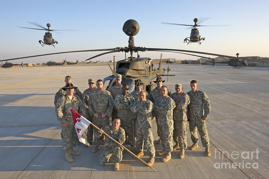 Oh-58 Photograph - Group Photo Of U.s. Soldiers At Cob by Terry Moore