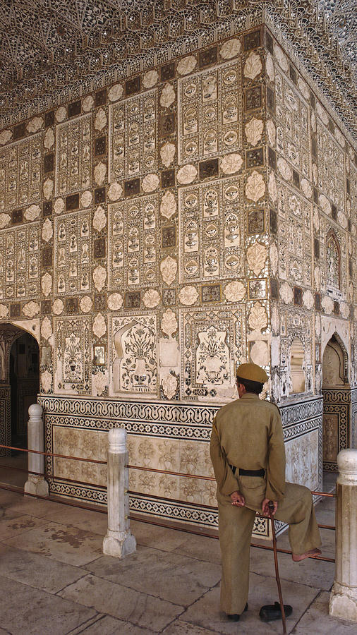 Guard of the mirrored room, Amber Fort 2007 by Chris Honeyman