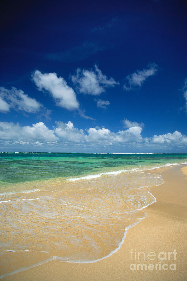 A32a Photograph - Haena Beach by Greg Vaughn - Printscapes